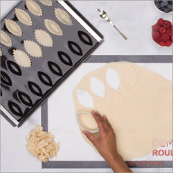 Picture of BOAT TRAY WITH FREE OVAL DOUGH CUTTER & DRIZZLE SPOON